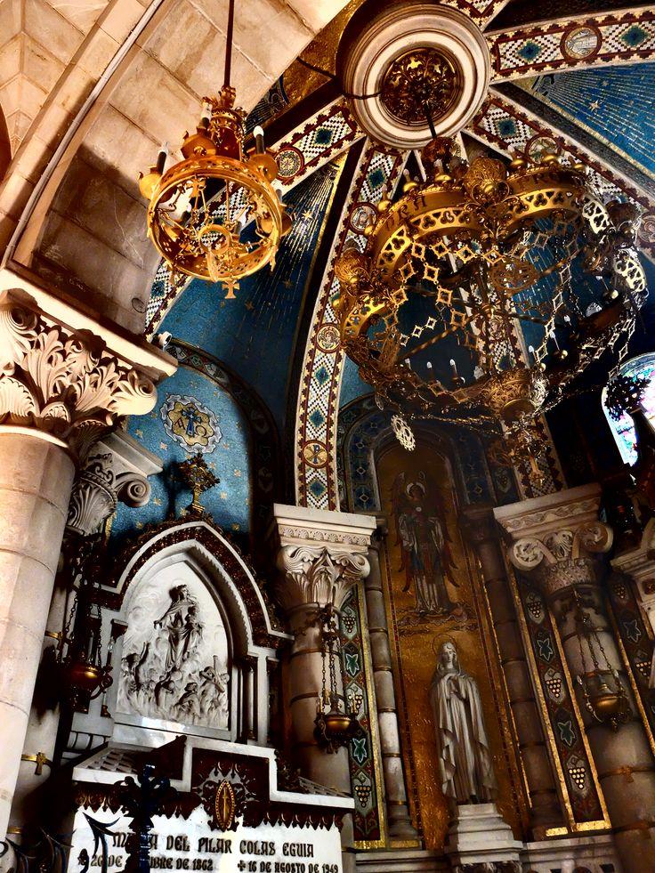 Cripta. Capilla de Nuestra Señora de Vallivana. Primera del lado del evangelio. Su titular se venera en Morella ( Castellón ).