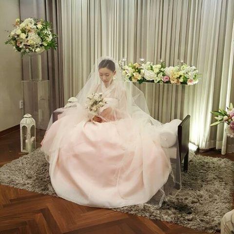 웨딩한복을 입고 결혼하신 서담화신부님.. 진짜 예뻤어요 ^^ #웨딩한복