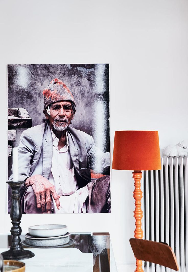 The portrait of ceramist artist from the pottery-town Thimi, Nepal, is photographed by Lene Ostenfeldt and enlarged.