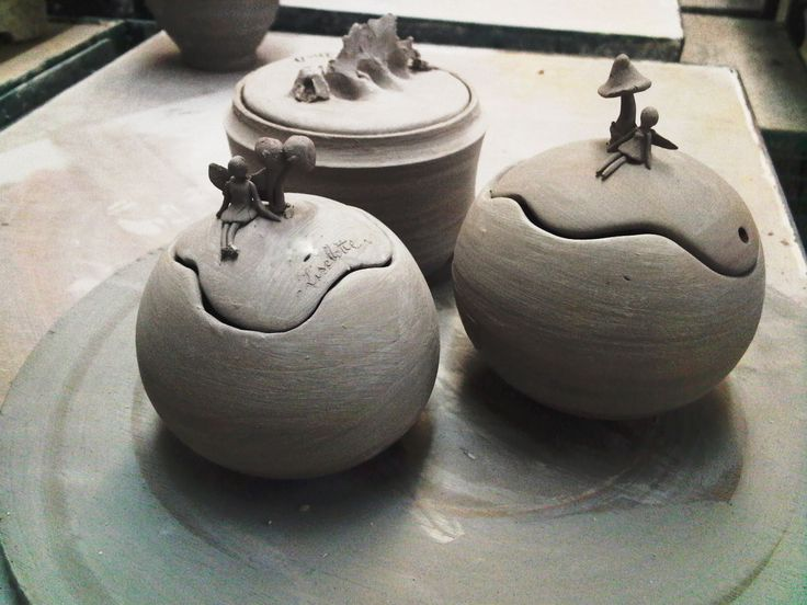 These pinch pot boxes look like a great idea for my project, I like the whale one