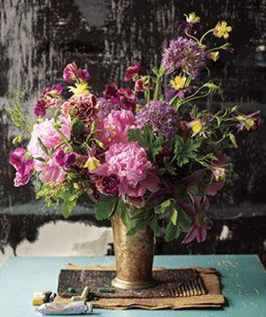Easy, Elegant Flower Arrangements|Simple tips for creating fancy-flower-shop centerpieces at home.