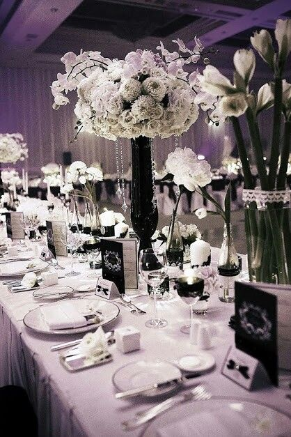 A Sophisticated Black And White Tablescape The Wedding Notebook