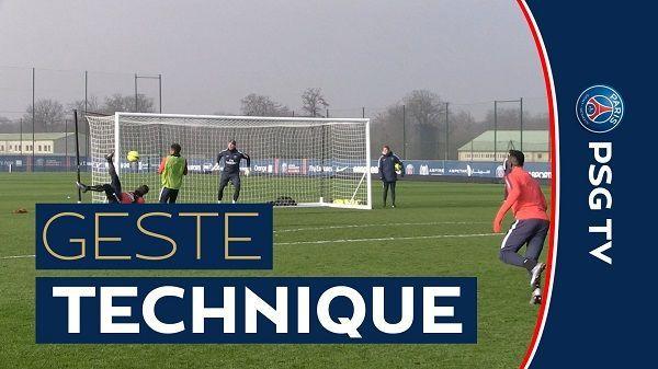 Niesamowity strzał piłkarza Paris Saint Germain • Serge Aurier tak strzelił gola przewrotką na treningu PSG • Wejdź i zobacz film >> #psg #football #soccer #sports #pilkanozna