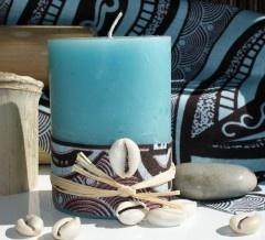 les bougies aussi s'habillent en wax, ce célèbre tissu des pagnes africains!