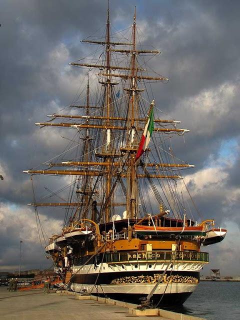 """Nave scuola della Marina Militare Italiana """"Amerigo Vespucci"""", Livorno"""
