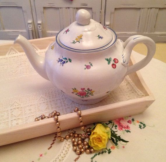 Vintage Spode Teapot in the Emily pattern by VerasVintageTreasure