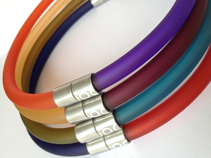 Click Bangles joined to make a two-tone choker