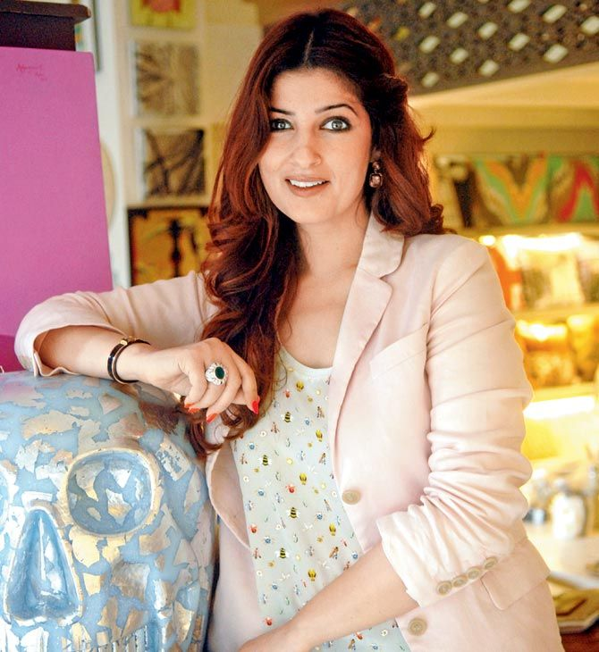 Twinkle Khanna looking lovely. #Bollywood #Fashion #Style #Beauty