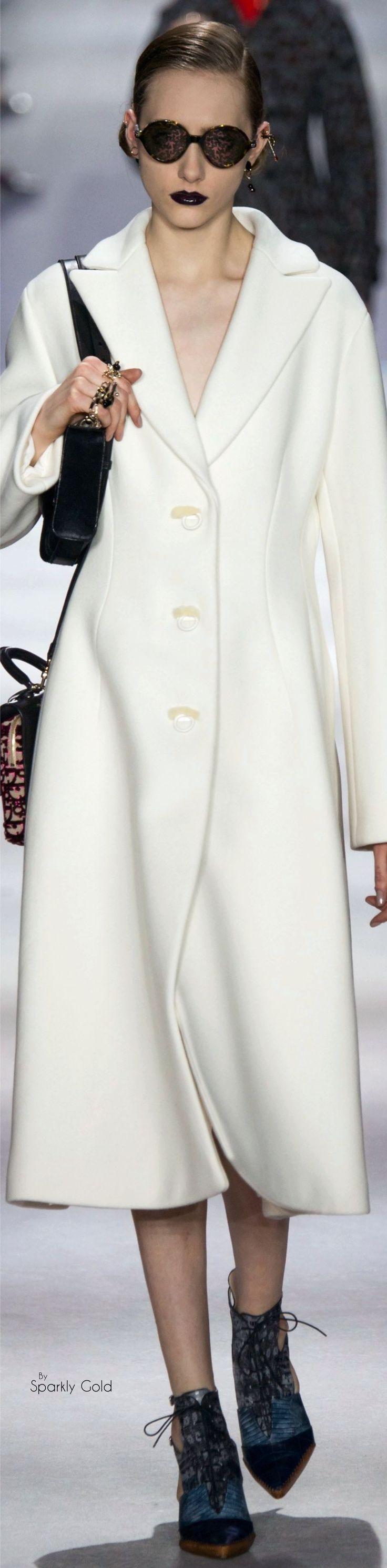#Farbbberatung #Stilberatung #Farbenreich mit www.farben-reich.com Christian Dior Fall 2016 RTW