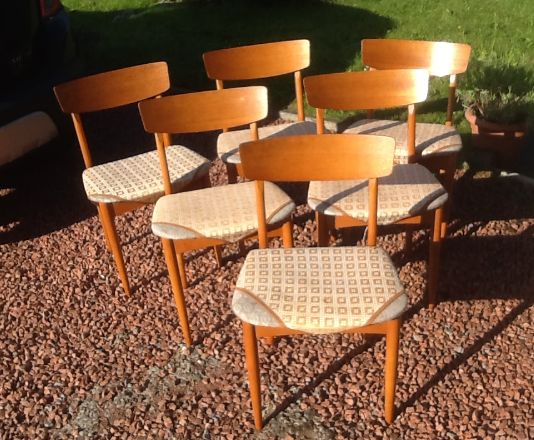 6 vintage 1970 dining chairs‏
