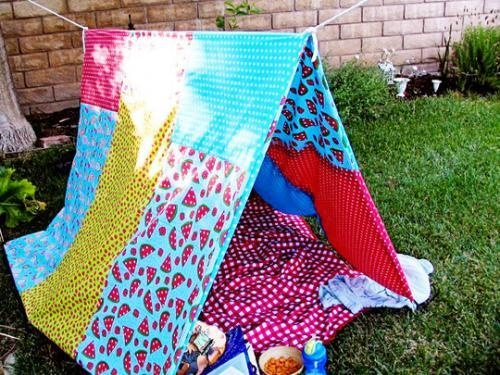 Crea un rincón para tus pequeños en el jardín sin gastar un duro