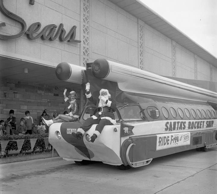 Santas Rocket At Sears In Shreveport I Rode This When I Was A Child My Ride Late For