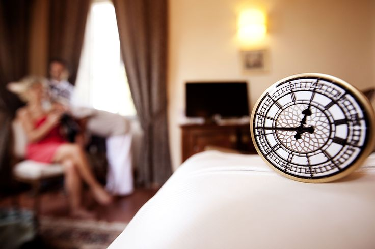 A detail of a clock in the bride room
