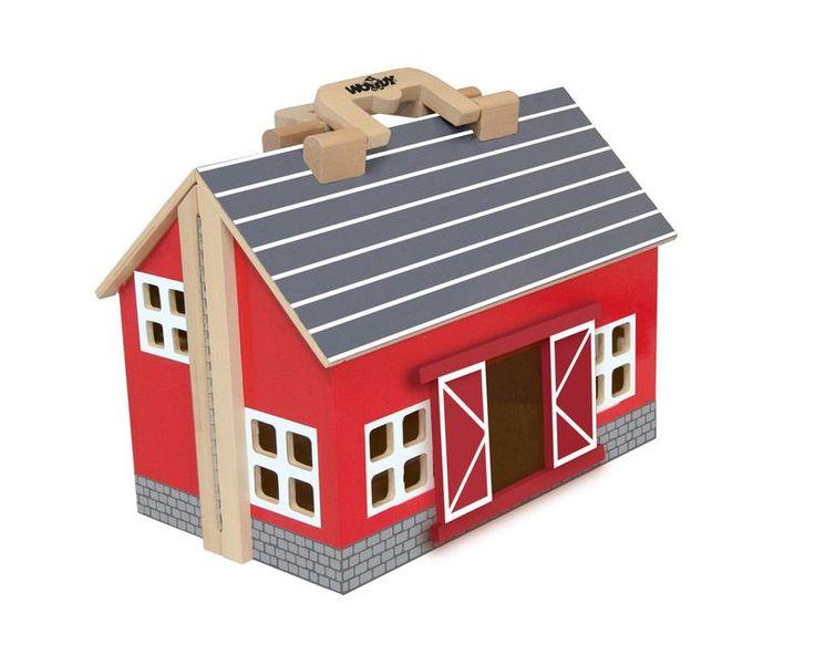 Dřevěná farma pro domácí zvířátka lze velmi jednoduše změnit do podoby praktického kufříku a vyrazit na cesty. Farma má otvírací vrata, ohradu pro zvířata a různí příslušenství - traktor s farmářem, žebřík, balíky slámy, zvířátka.
