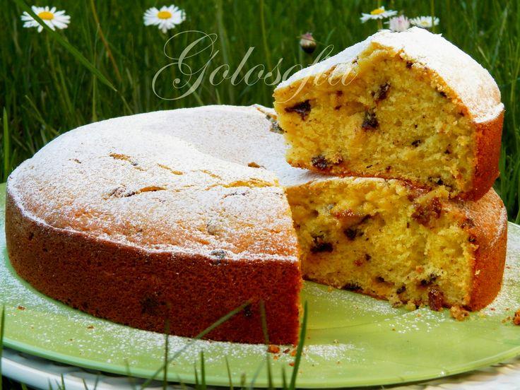 Torta+soffice+di+ricotta,+uvetta+e+cioccolato+fondente,+ricetta+golosa