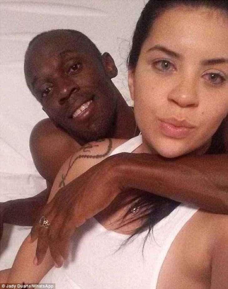 Tras el escándalo Usain Bolt comparte foto de su compromiso oficial con su fiel novia jamaicana
