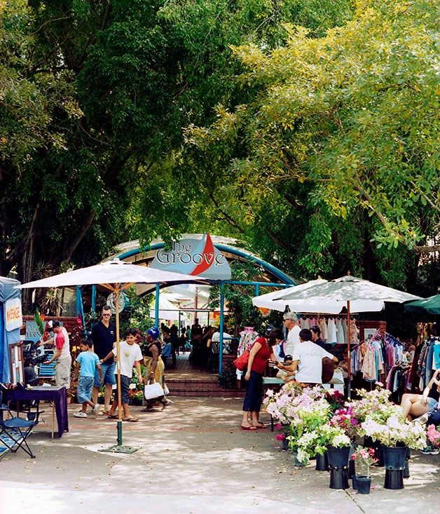 Australian Gourmet Traveller travel feature on Darwin's markets including Parap Village, Mindil Beach, Palmerston and more. http://www.gourmettraveller.com.au/travel/travel-news-features/2009/2/darwin-markets/ #shopping #food #market