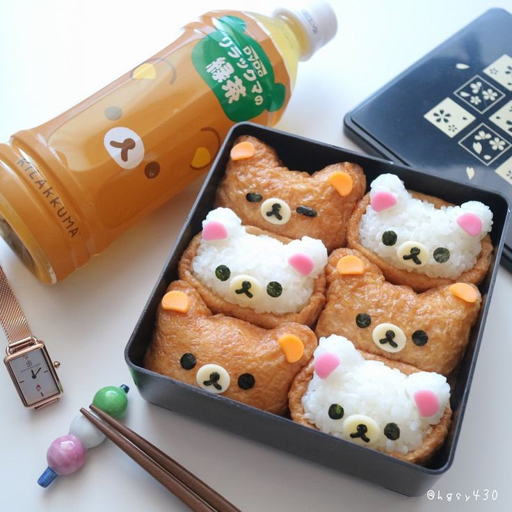 🐻 These Rilakkuma and Korilakkuma inari sushi make the perfect Japanese lunch. 🍣 Inari sushi is a type of sushi with yummy rice wrapped in deep-fried tofu. Japanese Lunch, Japanese Snacks, Japanese Food, Kawaii Cooking, Deep Fried Tofu, Types Of Sushi, Cute Desserts, Cute Food, Sweet Treats