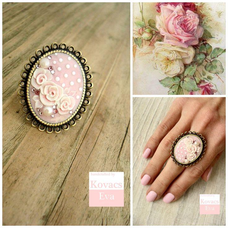 Vintage stílusú,romantikus,rózsaszín,pöttyös porcelán gyűrű,rózsákkal és kövekkel. Vintage,romantic ring,light pink,polka dot,porcelain ring with roses and stones.