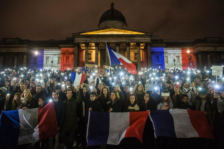 Scenes from around the world as the international community shows support for the victims of the Paris terror attacks.