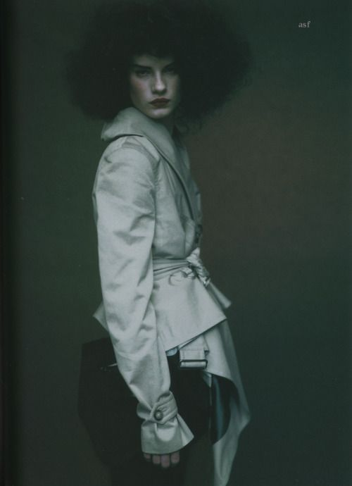 """fuckyeahpaoloroversi: """" Querelle Jansen photographed by Paolo Roversi - Self Service Magazine: Fall/Winter 2004 - Je m'attache au Rouge """""""