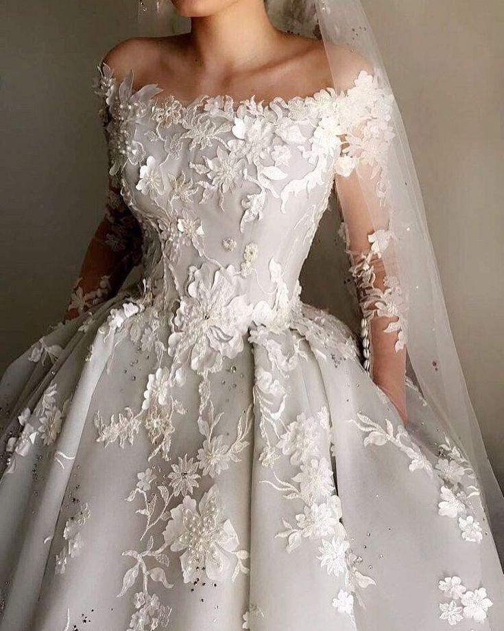 Beautiful bridal gowns would glamorize on any future brides … – Hochzeitsdeko ,Sträuße,Schmuck u.s.w.