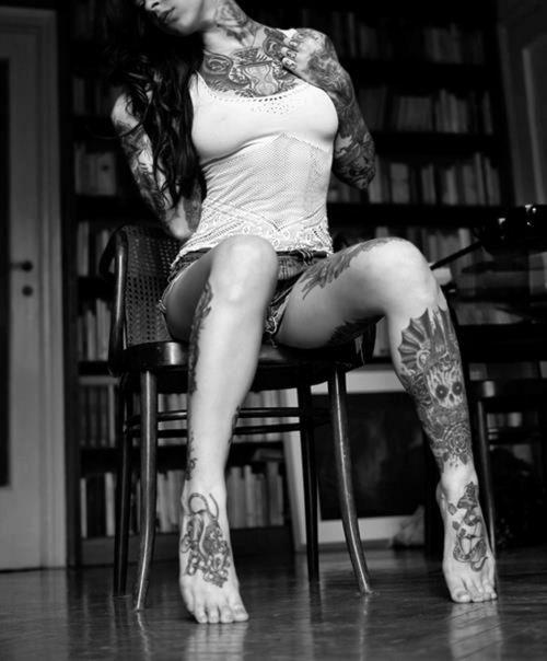 tatoos: Flowers Tattoo, Ink Girls, Girls Tattoo, Gogo Blackwat, Body Art, Tattoo Girls, Tattoo Ink, Body Tattoo, Bodyart