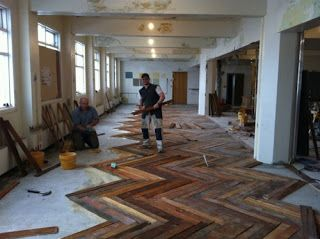 DIY Pallet Furniture | Parquet flooring in Kex-Hostel made of pallets | DIY pallet furniture   -   what about a deck?