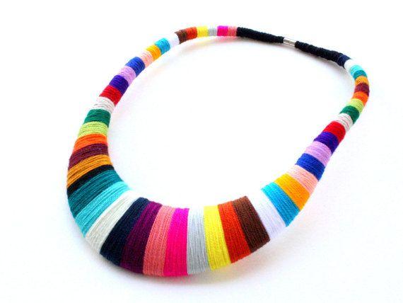 Dichiarazione collana bavaglino colorato collana africana