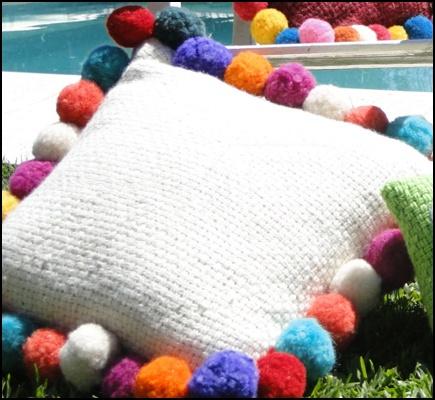 Almohadones con pompones