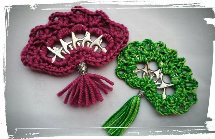 Abanicos a ganchillo by Sharita, inspirados en los que RNENOC enseña a hacer en su canal de YOUTUBE - Crochet fans by Sharita