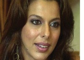 Pooja Bedi: We Need To Ban This Whole Culture Of Banning! - Cine Newz