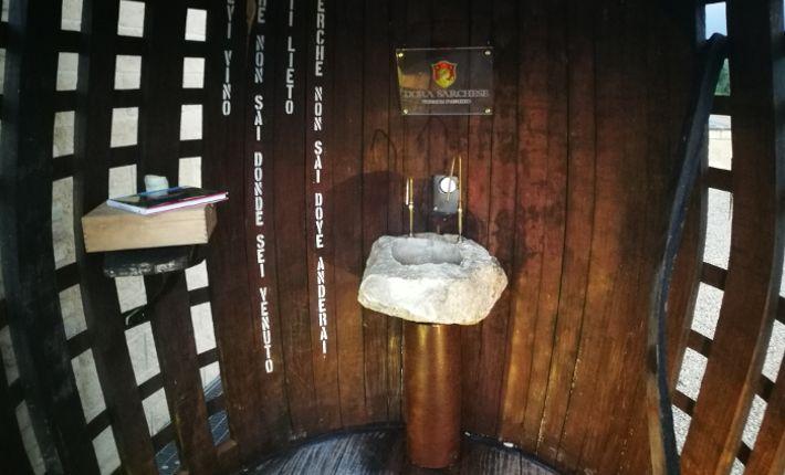 Gratis wijn drinken uit de 'Fontana del Vino'