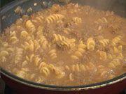 Hamburger Helper maison / Note de Rachel : 8/10 - bon - Remplace bien la recette en boite, fait avec du lait au lieu de la crème