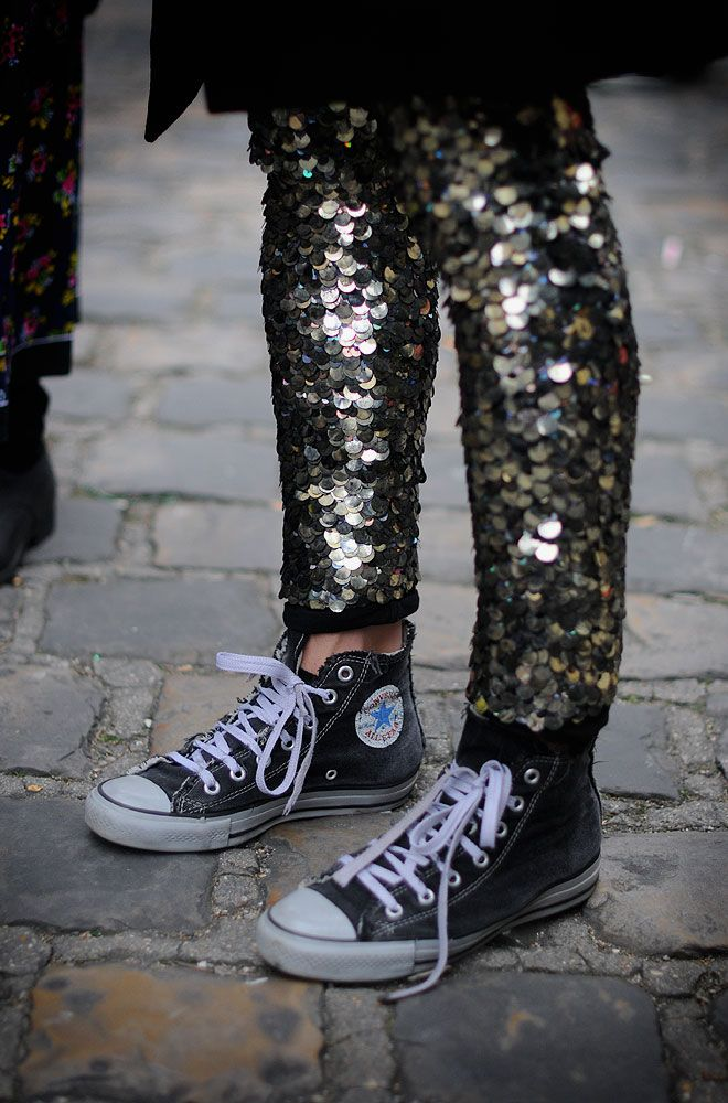 """Dying: sequin pants with Converse sneakers. """"…Escuela de Medicina (Rive Gauche, Paris)"""" 