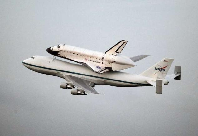 NASA's Endeavour space shuttle heads to California: La California, Miles Finals, Endeavour Spaces, Spaces Shuttle Endeavour, Science Center, Finals Trips, California Science, Endeavor Shuttle, Finals Journey