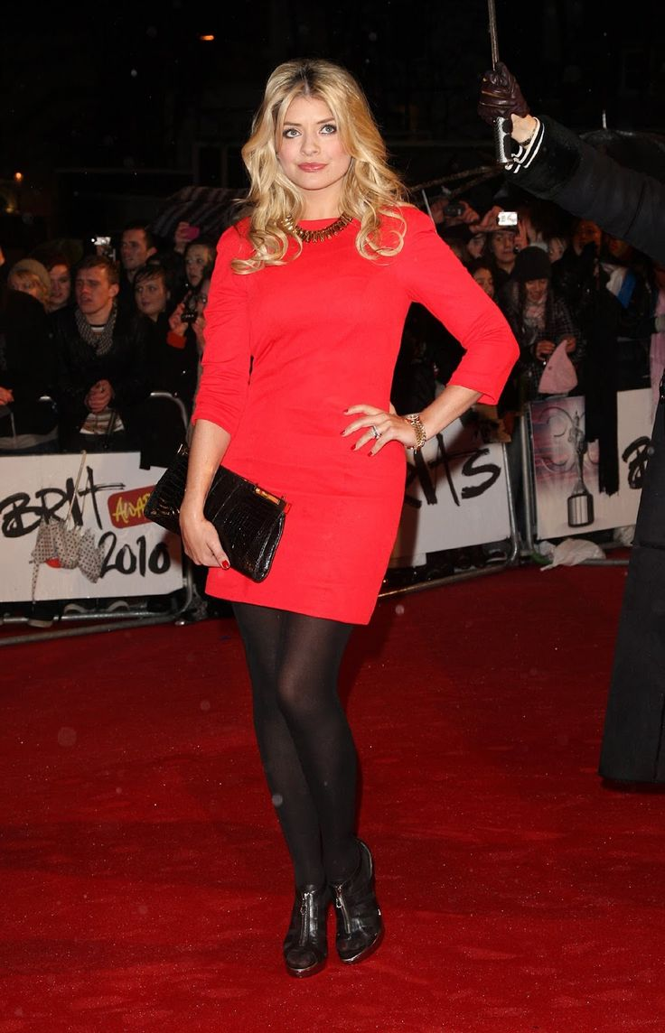 Celebrity Legs and Feet in Tights: Holly Willoughby