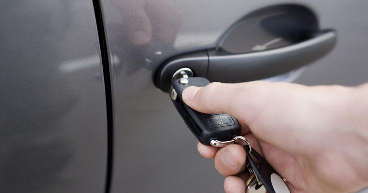 Como reverter o sistema anti furto em um Ford Taurus. Alguns modelos do Ford Taurus estão equipados com um sistema anti-roubo que usa sensores no sistema de ignição para determinar se o acesso não autorizado está sendo tentado. O sistema será acionado se alguém tentar ligar o carro com outra coisa, que não a chave de ignição codificada. Uma vez que o sistema anti-roubo é acionado, o motor é travado e ...