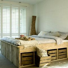 Crop?image_url=http%3a%2f%2fs3.amazonaws.com%2fproduction.calumet.good.is%2fbookmarks%2fphotos%2f000%2f207%2f052%2foriginal%2fwood-pallet-bed-16