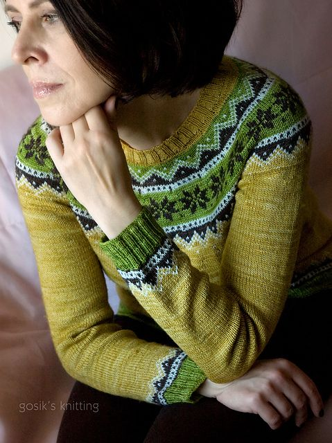 Ravelry: gosik's Norwegian Spring Chick ...... 142-18 Augusta - Jacket with short sleeves and Norwegian pattern in BabyAlpaca Silk by DROPS design. This beautiful sweater is knit in Malabrigo yarn Sock ~ seamless, stranded and top-down