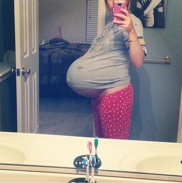 Pregnant Big Tits Creampie