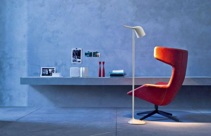 Colibri, nerezová ocel a polykarbonát, O 35 cm, výška 145 cm, design Edoardo Fioravanti, Foscarini, cena 18 228 Kč, www.bulb.cz
