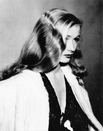 Veronica Lake photo by Weegee