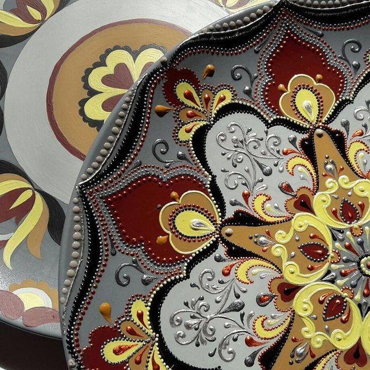 #точечнаяроспись #росписьакрилом #ручнаяроспись #ручнаяработа #ярисую #рисуюслюбовью #красотаспасетмир #красота #подароксвоимируками #подарокназаказ #часы #настенныечасы #часыиздерева  #часыизтарелки #тарелка #тарелканастену #росписькерамики #росписьтарелки #хендмейдподарок #хендмейдекор #хэндмейд #декорстен #декоративнаяштукатурка #ялюблюсвоюработу #art #artwork #point_to_point #instaart