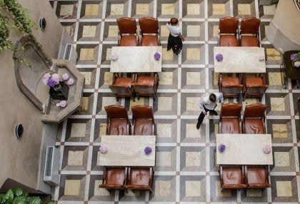Przepiękna podłoga we wnętrzach Hotelu Copernicus w Krakowie. www.eskapista.com/pl/polska/hotele/hotel-copernicus