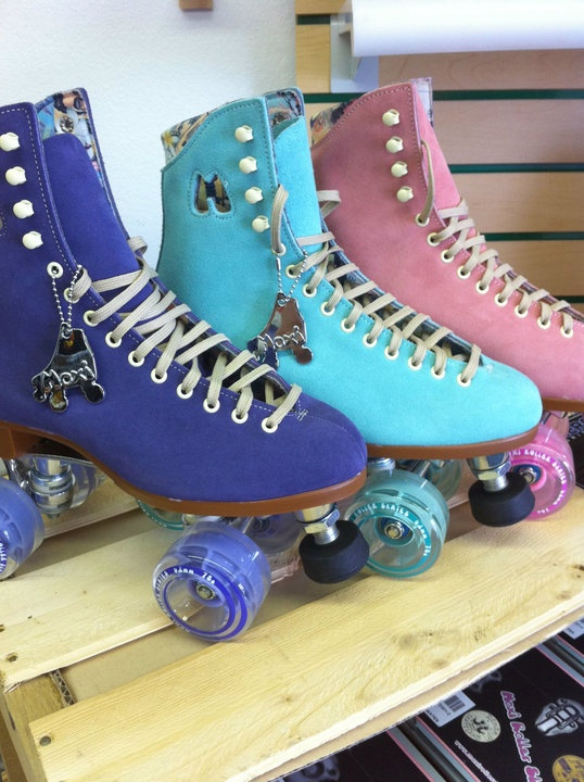 Riedell Moxi Skates. In pastel colors. Want.
