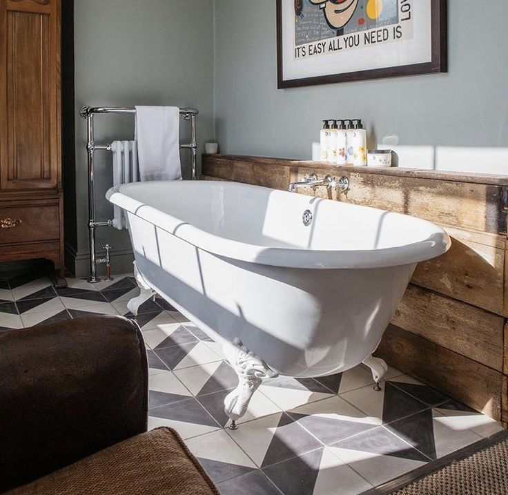 Grey Country Bathroom With Rolltop Bath: 17 Best Ideas About Roll Top Bath On Pinterest