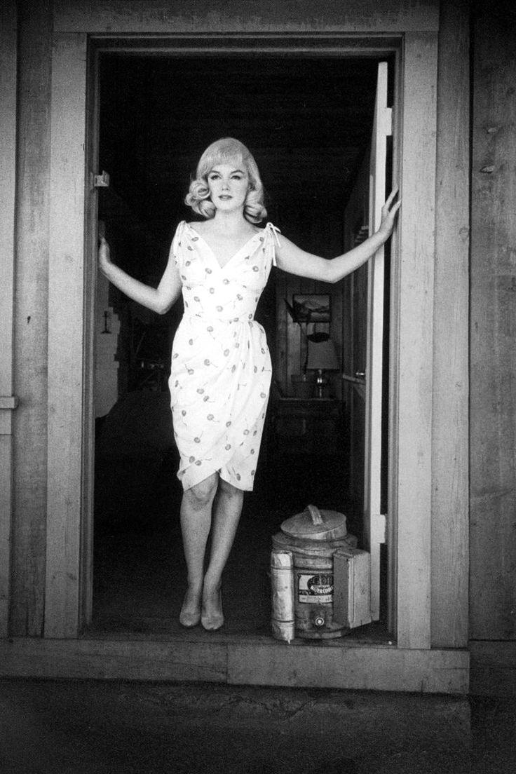 Marilyn Monroe, The Misfits 1961Custom Size, Eve Arnold, Summer Dresses, Marilyn Monroe, Misfits 1961, Marilynmonroe, Norma Jeans, Cherries Dresses, Floral Dresses