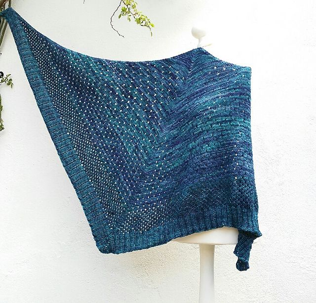 Campside by Alicia Plummer, knitted by strickgut | malabrigo Silky Merino in Mares