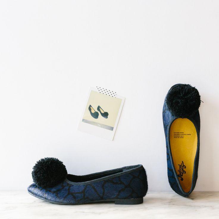 Radical Yes! Double Wonder, pom pom shoe